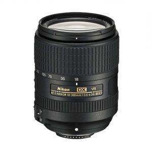 Nikkor AF-S DX 18-300mm f/3.5-6.3 ED VR – Garanzia 4 anni Nital
