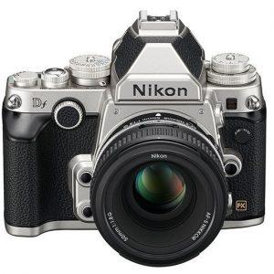Nikon Df Black o  Silver con 50 F 1.8 SD 8GB 400X Lexar Garanzia 4 anni Nital Italia