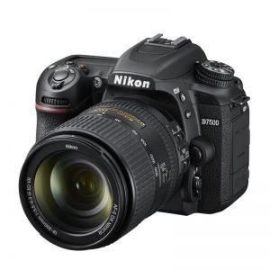 Nikon D7500 con 18/300 – Garanzia 4 anni Nital Italia