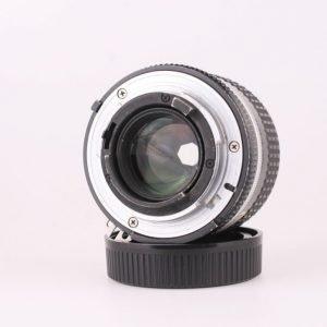 Nikon 85mm f/2 Ai-s