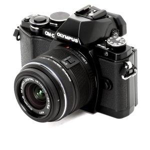 Olympus OM-D E-M10 Mark II (Black) con 14/42 IR – Garanzia Polyphoto Italia
