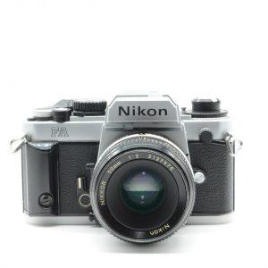 Nikon FA con 50 mm