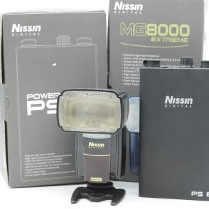 Nissin MG8000 con Power Pack PS-8