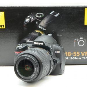 Nikon D3000 con 18/55