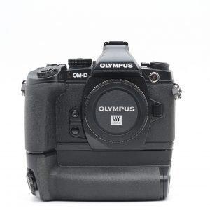 Olympus OM-D E-M1 con Impugnatura