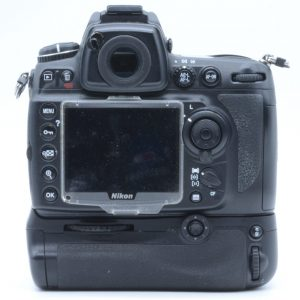 Nikon D700 + Impugnatura MB-11