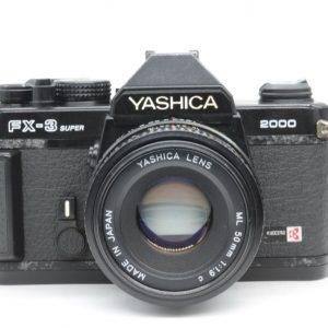 Yashica FX-3 Super 2000 con 50 F 1,9