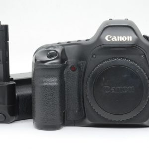 Canon 5D con Imp. BG-E4 ( Omaggio )