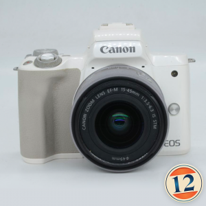 Canon M50 con 15/45 IS STM Bianca