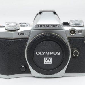 Olympus OM-D E-M5 II Corpo