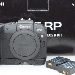 Canon EOS RP solo Corpo + Impugnatura + 2 Batterie