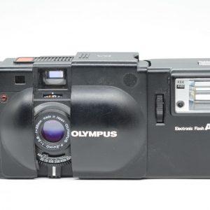 Olympus XA + Flash