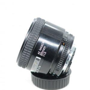 Nikkor AF 85mm 1:1.8